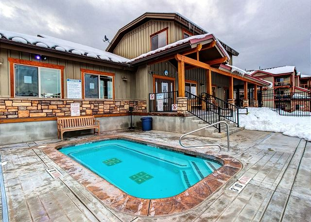 Bear Hollow Clubhouse Large Hot Tub - Open All Year