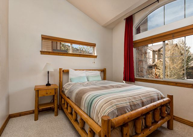 Upstairs Bedroom 2 - Queen Bed