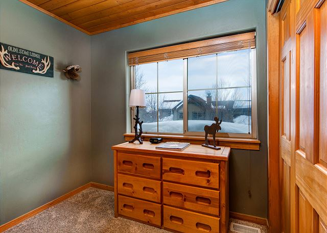 Upstairs Bunk Room - Twin-over-Full with Twin Trundle
