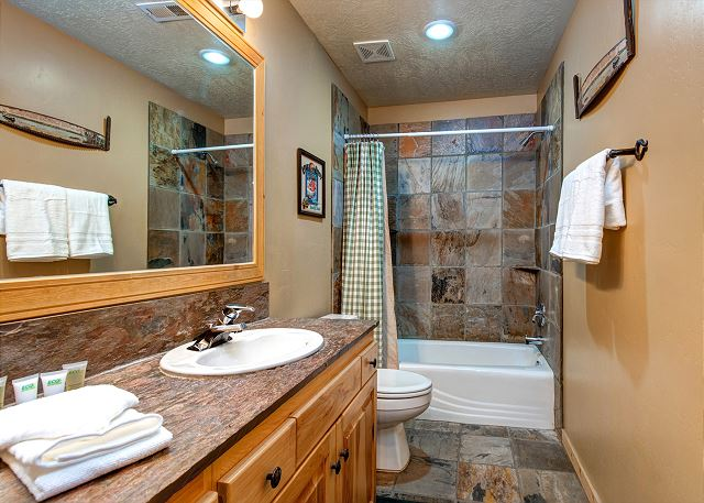 Lower Level Shared Bathroom with Tub/Shower Combo