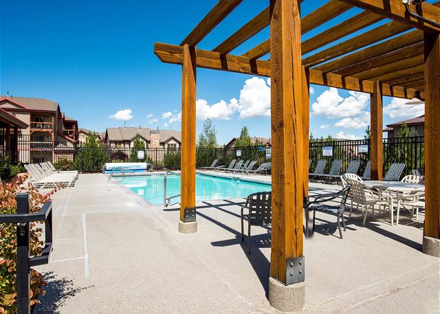 Bear Hollow Village Community Pool (summer)