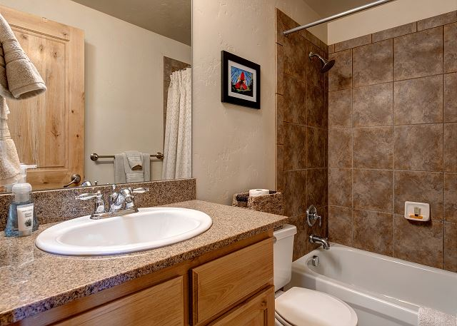 Lower Level Full Bathroom with Tub/Shower Combo