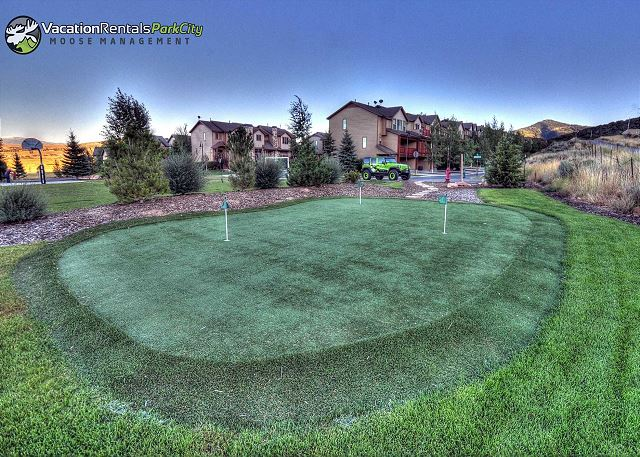 Bear Hollow Village Community Putting Green