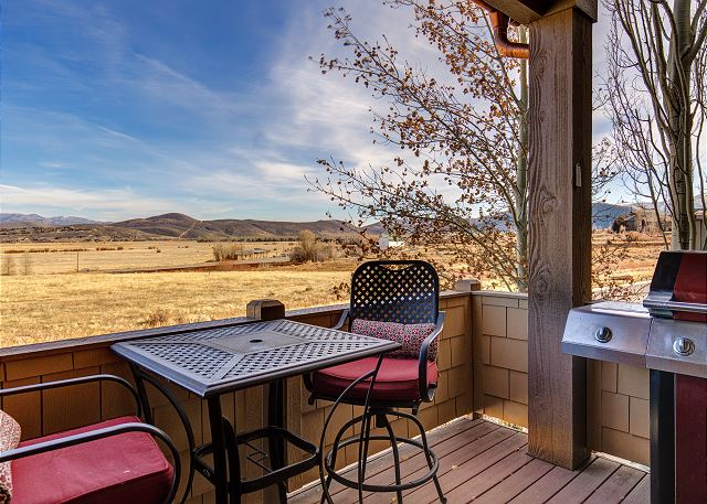 Deck with Seating, BBQ and Amazing Views!