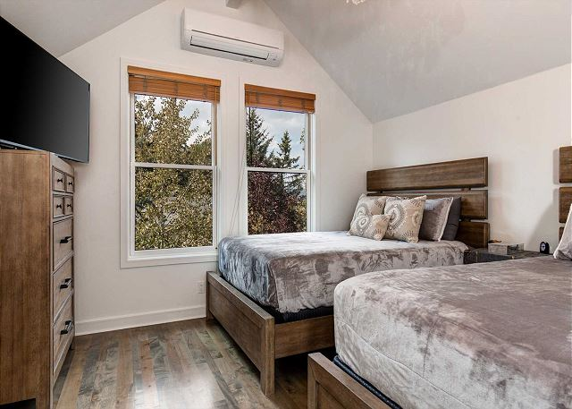 Master Bedroom - Upstairs with TWO Queen Beds and TV