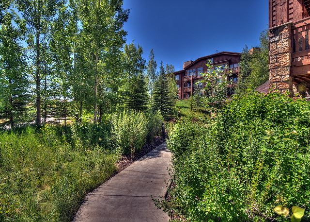 Paved Trail System through Park City -Easy Access from Crestview