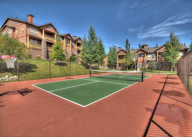 Fox Bay Community Tennis/Basketball