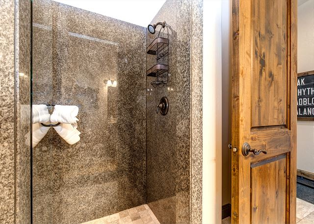 Main level 3/4 bathroom with shower