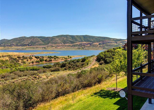Breathtaking VIEWS of the Jordanelle Lake