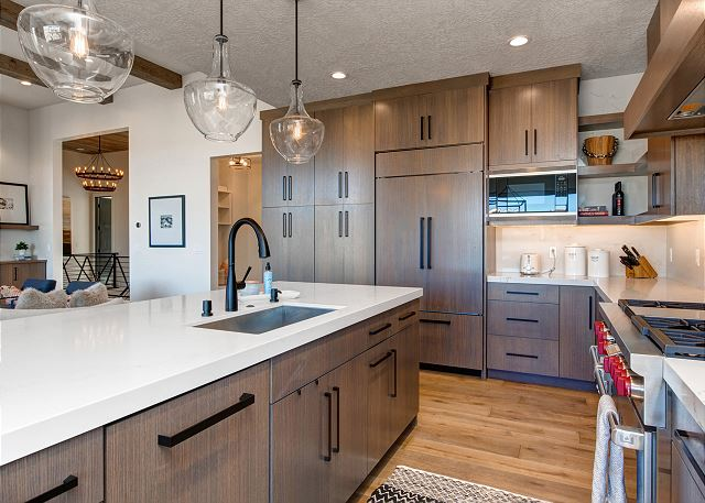 Fully Equipped Gourmet Kitchen with High-End Appliances