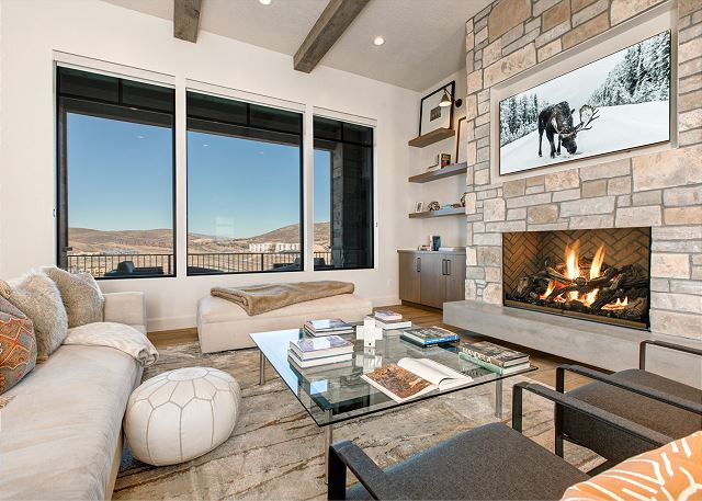Living Room with Gas Fireplace, TV, Views