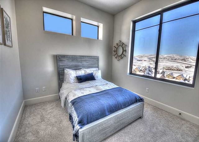 Lower Level Full Bedroom - Views!