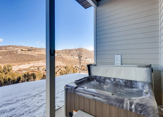 Private Hot Tub on Lower Deck with Gorgeous Mountain Views!
