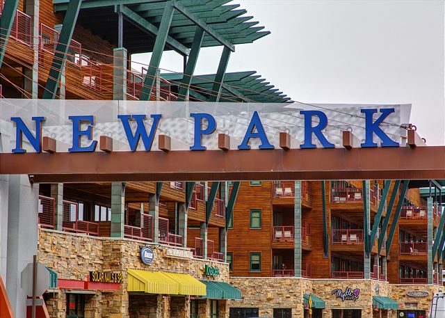 Newpark is is an amazingly convenient place to stay! Steps to the FREE Shuttle Pick-Up and Walk-able to the Rec Center, Groceries, Dining, Shopping and Entertainment (movies & bowling)