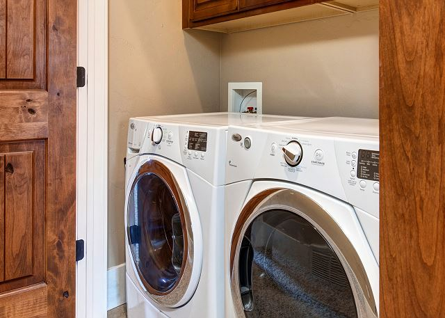 In-Home Laundry / HE Washer/Dryer