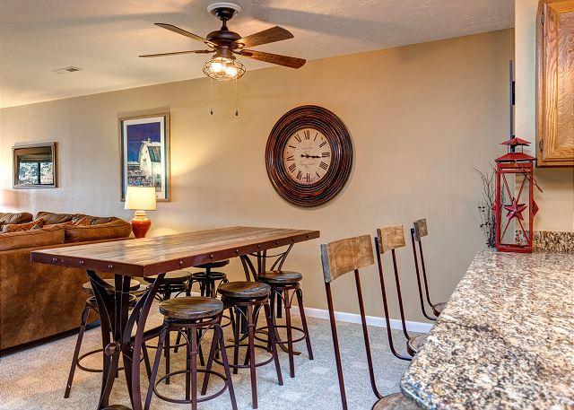 Kitchen Bar Area Seats 3