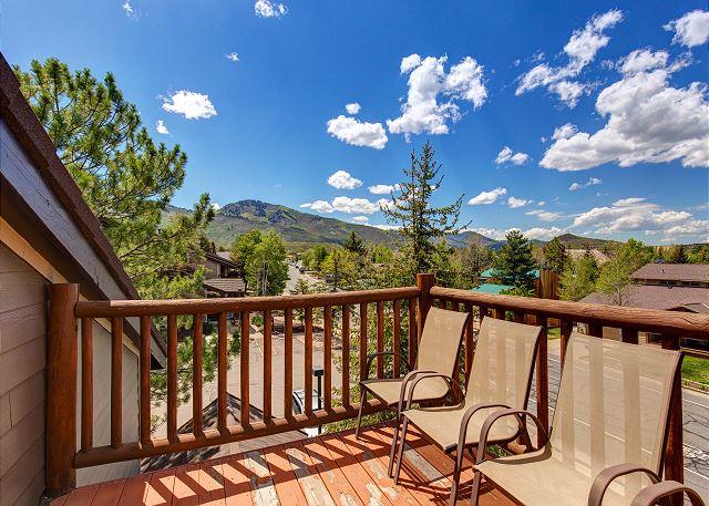 Balcony with Amazing Views!