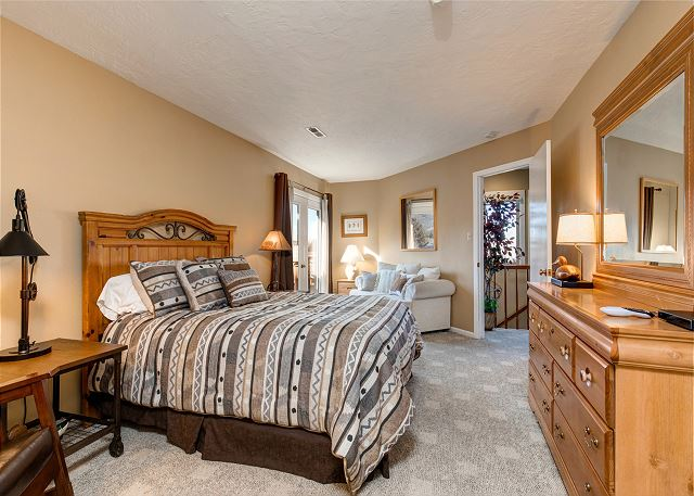 Master Bedroom with Queen Bed, En Suite Bathroom (separate tub and shower) and TV