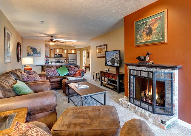 Living Room - Great Gathering Area with TV and Gas Fireplace