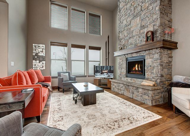 Living Room with Gas Fire Place-Spacious and great light