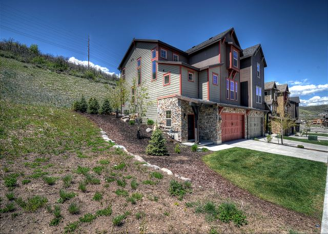 Corner unit, mountainside for extra privacy