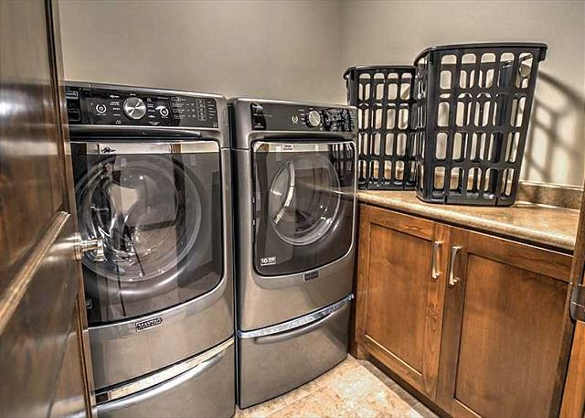 In-Home Washer/Dryer Laundry Room