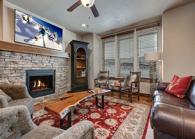 "Large Living Area with 55"" HDTV with Netflix and DIRECTV and Gas Fireplace and Plenty of Seating"