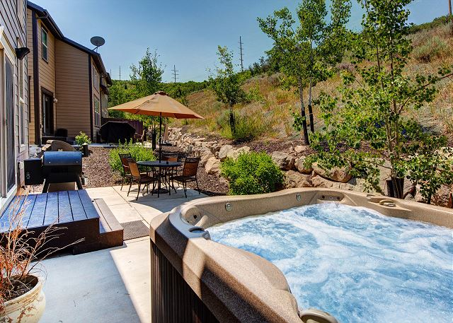 Awesome Private Back Patio with Seating, Hot Tub, BBQ and Traege