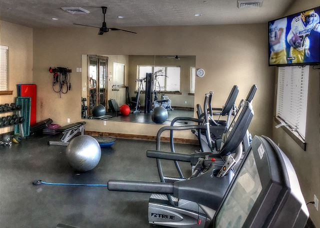 Retreat at Jordanelle Clubhouse Fitness Room