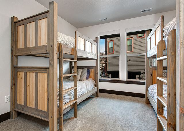 Bunk Room: TWO Twin over Twin Bunk Beds