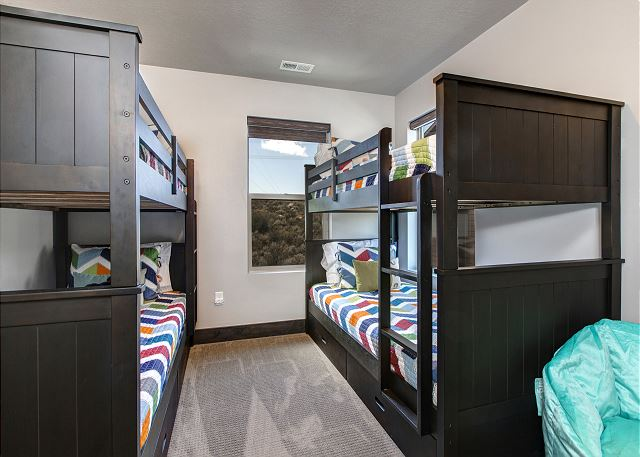 Bunk room: TWO twin over twin bunks
