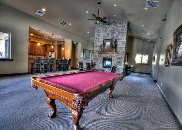 Pe_rj_clubhouse_pooltable_1920w