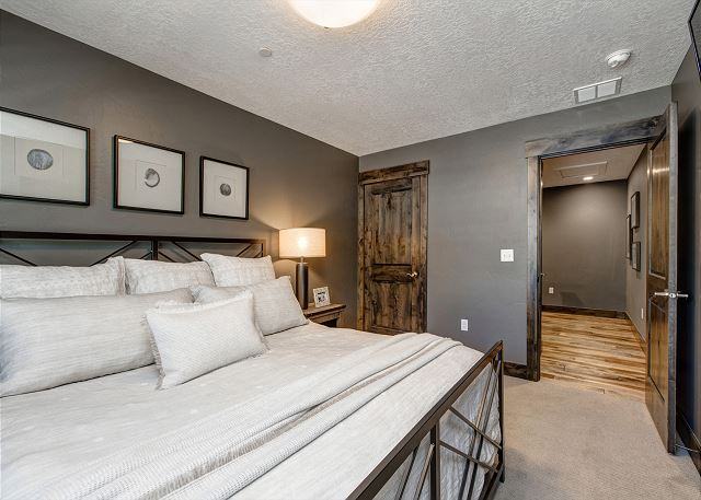 Upstairs King Bedroom with Smart TV