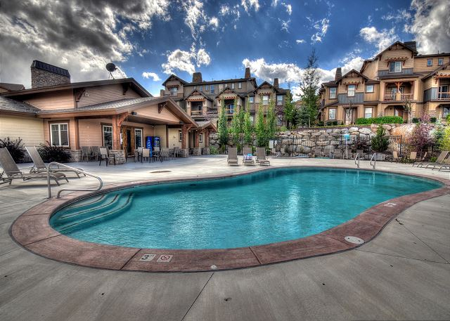 Clubhouse Pool (summer)