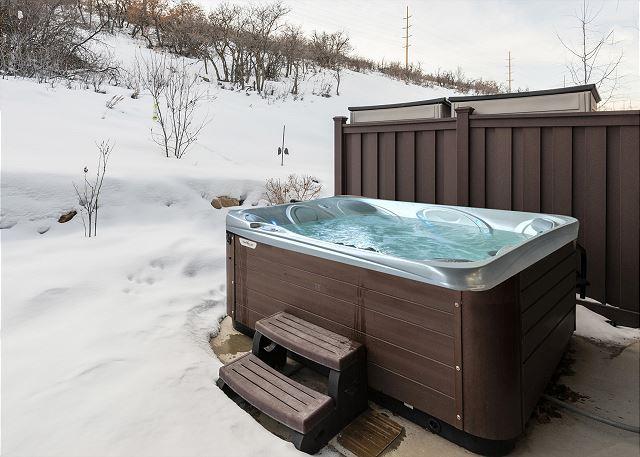 Large Private Hot Tub - Soak Away a Long Fun Day!