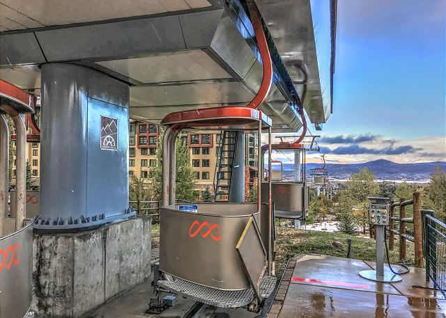 Walk to The Cabriolet Lift - Canyons Ski Resort