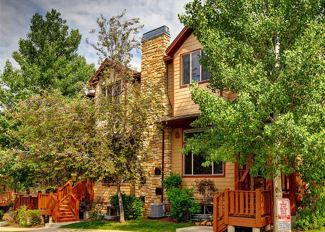 Bear Hollow Village 5460