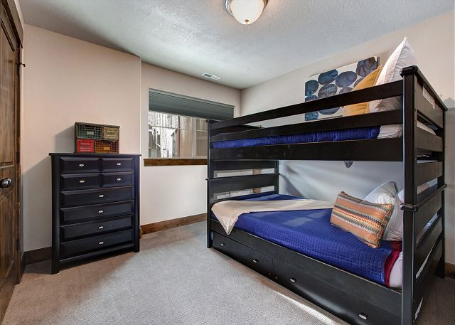 Upstairs Bunk Room! Full-over-Full with Twin Trundle
