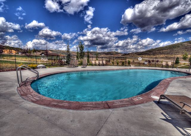 Retreat at Jordanelle Clubhouse Pool (summer)