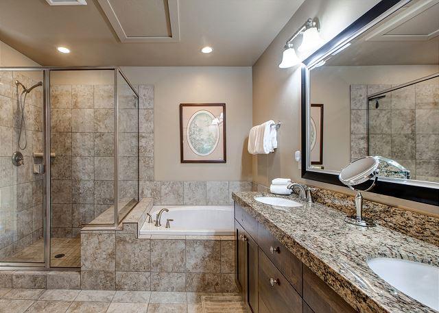 Upstairs private master w/en suite bathroom