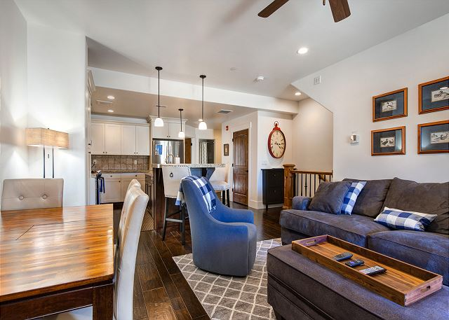 Main Level Living/Dining Room w/TV, Gas Fire Place and Sleeper Sofa
