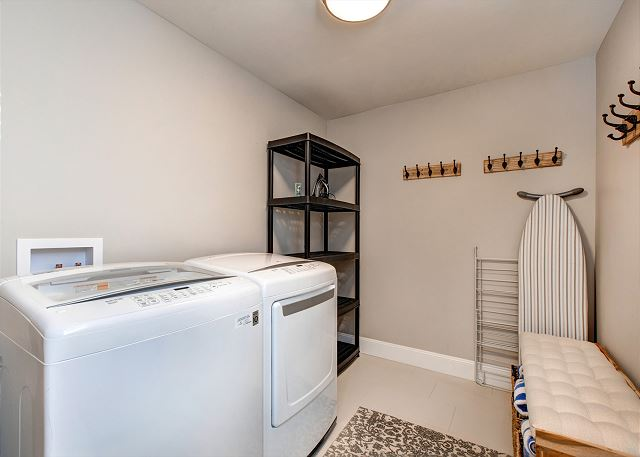 Wasatch Springs 1123 - Full HE Laundry Room