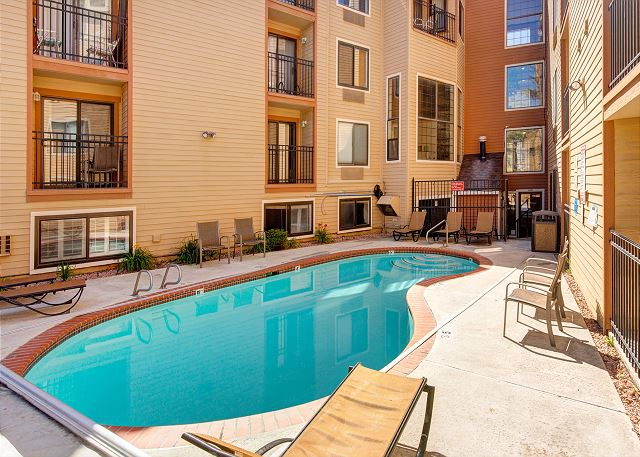 Carriage House Condos Pool - Open all year!