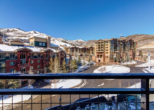 What you see is what you get! Don't get run through a room rotation. Unit 406 has added amenities and set up for the best in comfort and convenience. Look at these TOP Floor, Mountainside Views from unit 406!