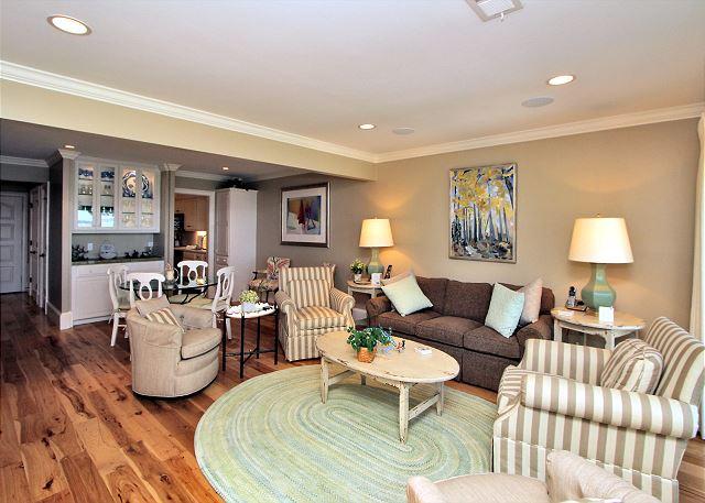 707 Schooner Court - Living Area - HiltonHeadRentals.com