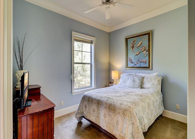 1st Floor Guest Suite -1 Double