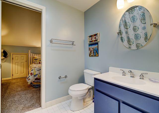 2nd Floor Jack & Jill Full Bathroom