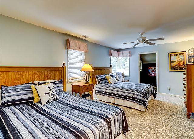 2nd Floor Guest Bedroom - 2 Queens