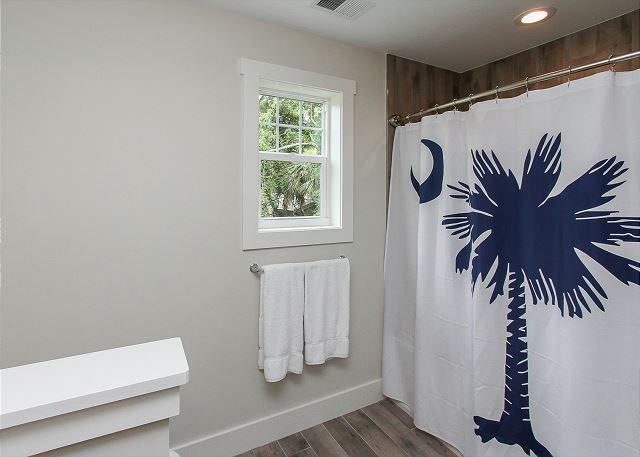 Bunk Bedroom Full Bathroom