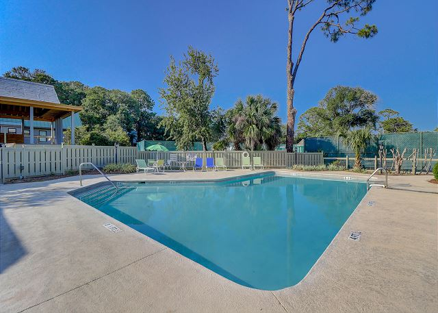 Beachsides Homes Pool